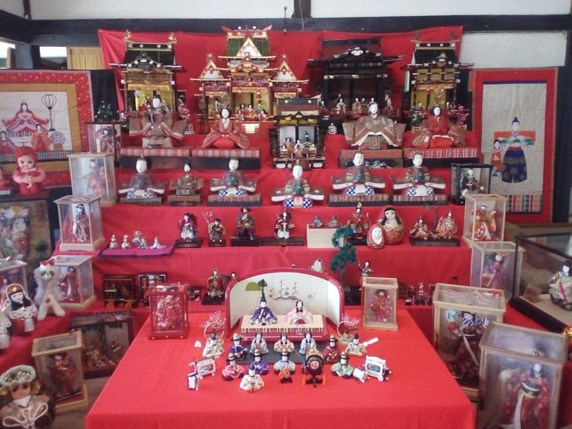 100年以上昔の雛人形展 in「ふれ愛の館」